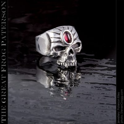Medium Stoned Skull Ring