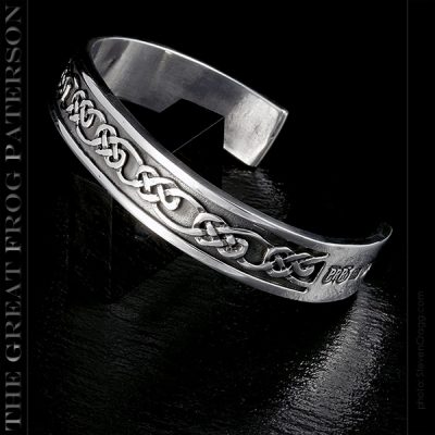 The Great Frog - celtic knot silver bracelet