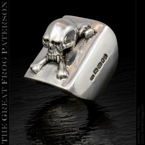 Skull Crossbones Square Shank Ring