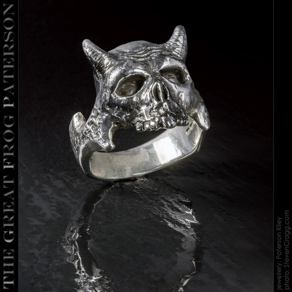 The Great Frog - horned demon silver ring