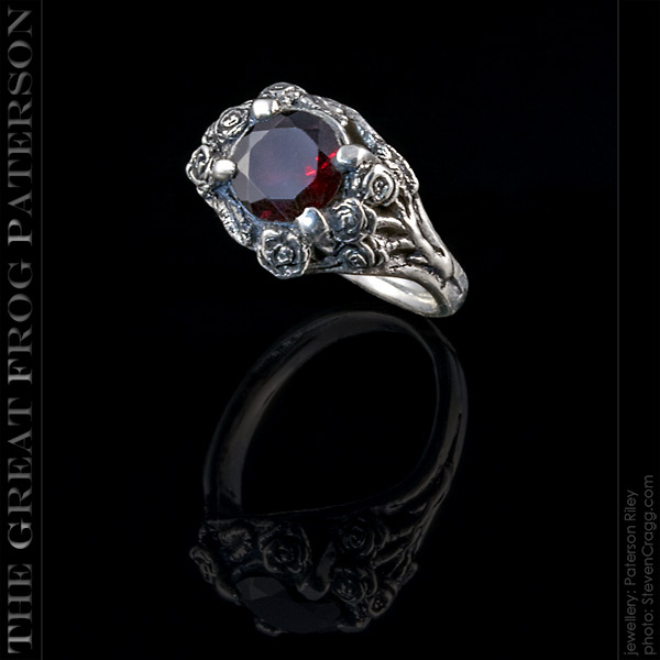The Great Frog: Silver Roses Gemstone Ring
