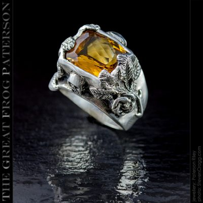 The Great Frog: square gemstone silver ring