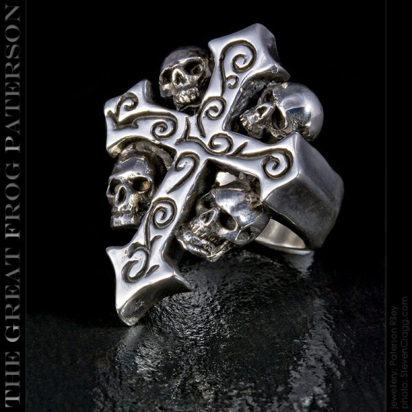 4 skulls silver crucifix ring | The Great Frog Paterson