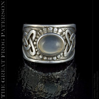 silver Celtic Band Stone ring : The Great Frog Paterson