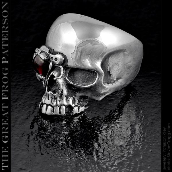 the great frog : cyborg skull ring