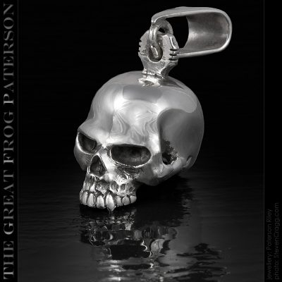 Solid silver skull pendant: The Great Frog Paterson