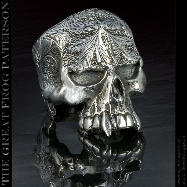 The Great Frog: Large Engraved Skull Ring