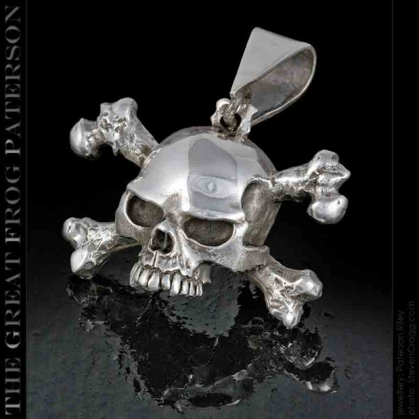 Slash Skull and Crossbones Pendant: The Great Frog Paterson