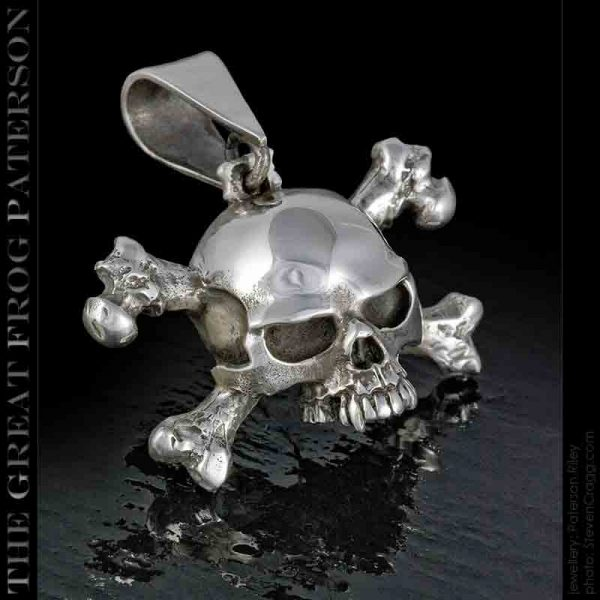 Slash Skull Crossbones Pendant: The Great Frog Paterson